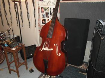 arnis lefthand bassplayer community informations for lefty bass players. Black Bedroom Furniture Sets. Home Design Ideas