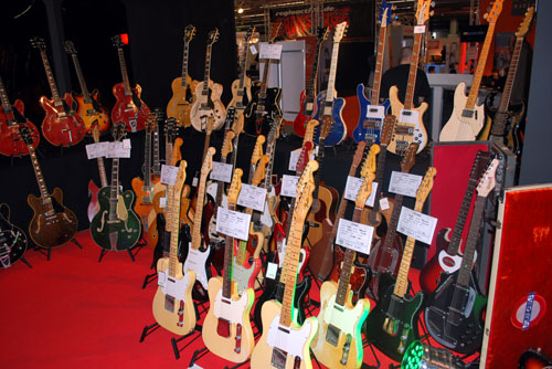 arnis lefthand bassplayer communtiy informations for lefty bass players. Black Bedroom Furniture Sets. Home Design Ideas